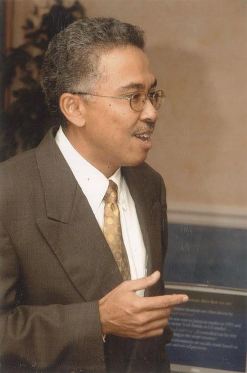 Oliver Chen